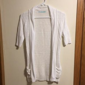 Maurices white short sleeve cardigan with pockets